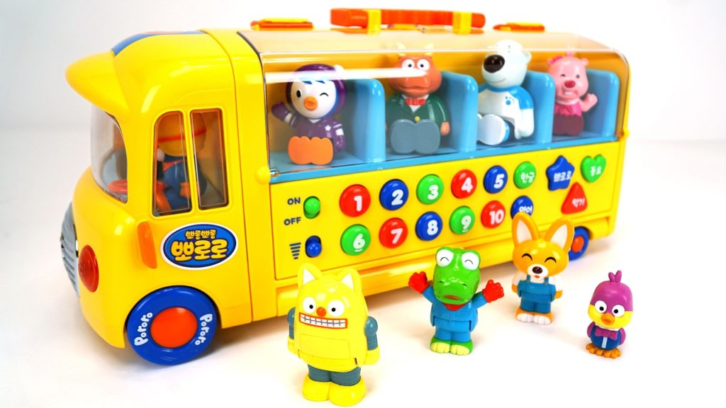 Combine Fun Play and Learning with Traditional Wooden Toys