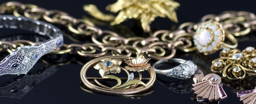 Jewellery And Women - The Divine Proportions Of Ornamentation